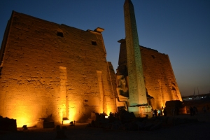 Atemple-of-luxor-at-night