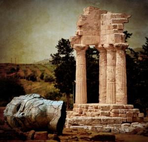 head-at-temple-of-castor-and-pollux-ricardmn-photography