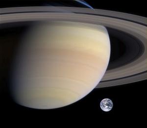 Saturn_Earth_size_comparison