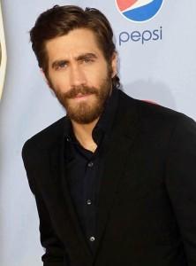 jake-gyllenhaal-2012-nclr-alma-awards-04