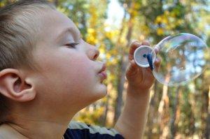 Qblowing-bubbles