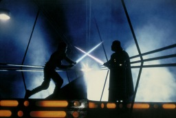 the-empire-strikes-back-luke-skywalker-vs-darth-vader-lightsaber-duel-in-cloud-city
