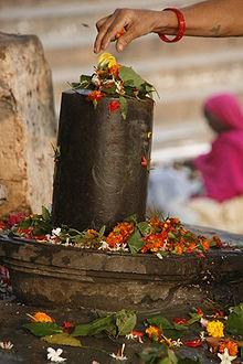 220px-Aikya_Linga_in_Varanasi