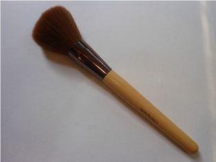 Beauty-360-Bamboo-Powder-Brush-Review