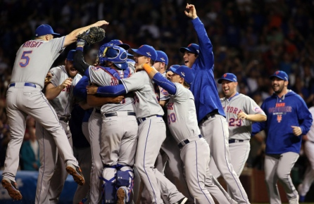 CHICAGO, IL - OCTOBER 21: David Wright #5 of the New York Mets celebrates with his teammates after defeating the Chicago Cubs in game four of the 2015 MLB National League Championship Series at Wrigley Field on October 21, 2015 in Chicago, Illinois. The Mets defeated the Cubs with a score of 8 to 3 to sweep the Championship Series. (Photo by Jonathan Daniel/Getty Images)